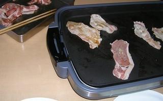 肉を焼く.JPG