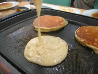 パンケーキ焼く.jpg