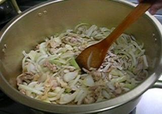 鍋(鶏肉・玉ねぎ).jpg